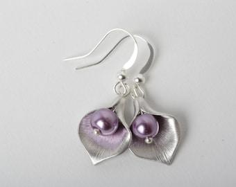 Purple Bridesmaid earrings, calla earrings, purple wedding earrings, Silver calla lily earrings, purple calla earrings, calla wedding