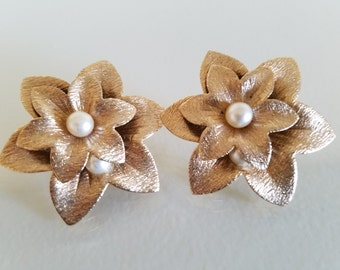 Vintage 1970s Sarah Coventry Earrings, Vintage Earrings, Vintage Jewelry, Sara Coventry Earrings, Clip Earrings, Gold Flower Earrings