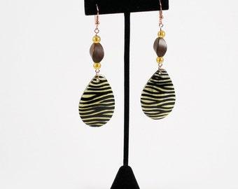 Zebra Stripe Tribal Teardrop Earrings, Zebra Earring, Ethnic Earrings, Tribal Earrings, Black and White Earrings, Animal Print