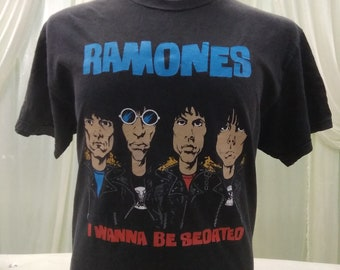 Vintage Ramones Cover I Wanna Be Sedated Song Band T-Shirt