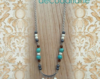 Necklace with long metal stainless steel, with grey pearls, ecru and green