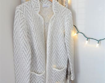 Vintage Gray Sweater   Chevron Pattern   Womens   Brand - Laura Gayle   Size - M