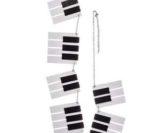 """PiANO KEY Garland/ 72""""  GRAND SiZE Piano Keys for the MUSiC CiTY ELVES , Fun supply, Trees, Wreaths"""