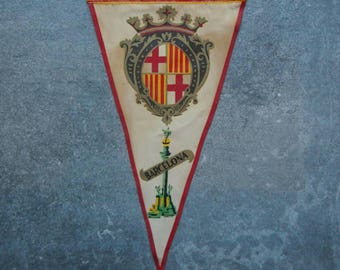 Vintage Travel Pennant, A Souvenir Flag from Barcelona Spain,Travel Memorabilia, Flags, Bunting, Decorative, Advertising, Espana