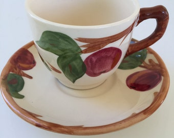 """Franciscan """"Apple"""" Tea Cups And Saucers-14 Piece set- Made In England"""