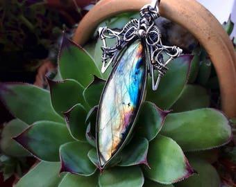 Labradorite Pendant, Art jewlery, Labradorite necklace, Gift for her, Statement pendant, Oxidized silver jewelry, Birthstone necklace,Unique