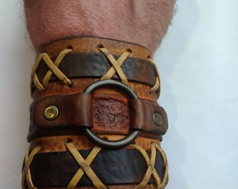 Bracelet braided leather with steel ring