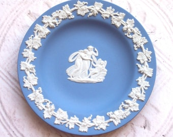 Wedgwood Jasperware Vintage Plate Cupid Home Decor Collectible Valentine's Day