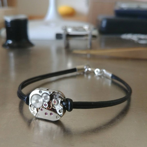 Men's bracelet in leather and silver with a LIP silver watch movement