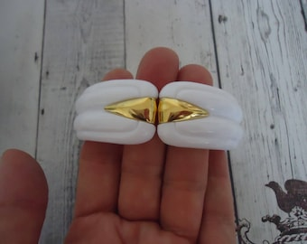 Vintage New Old Stock White Lucite Clamper Style Bracelet w/ Gold Tone Accents, Summer Accessory