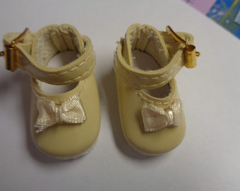 Teeny Tiny Ivory Mary Jane buckle Strap Doll Shoes  Vintage Doll Shoes-Size 8
