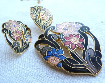 Cloisonné enamel style painted metal brooch and earrings set