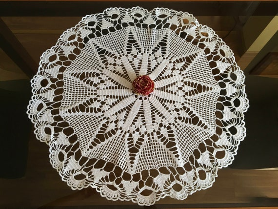 Vintage Large White Doily Crochet Round Tablecloth Lace Handmade Doilies Wedding Gift for Bride Mom Table Decorations Tableware Centerpiece