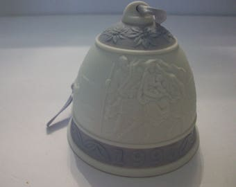 Lladro 1993 Christmas Bell, Bells, Christmas Ornaments, Lladro, Christmas Decor, Flight into Egypt