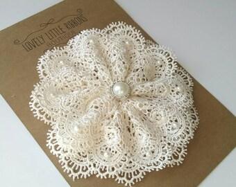 Lace wedding hair flower, bridal hair flower, bridal hair piece, Ivory wedding hair piece, vintage wedding hair piece, bridal hair flower