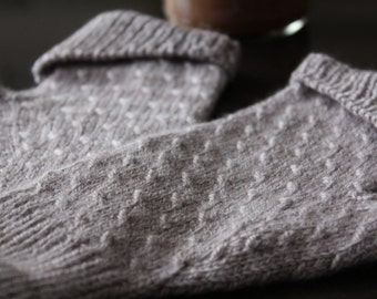 Coralie's Mitts Knitting Pattern