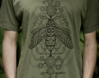Males Fair Wear and Organic T-Shirt - Bee Inspired