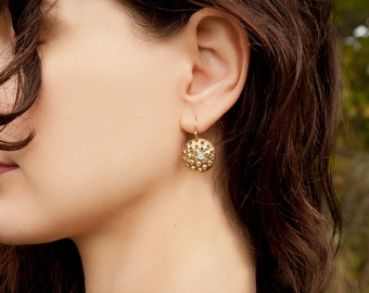 Gold perforated earrings, 18k gold hooks, round 20mm