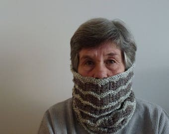 Cosy lacy knit cowl