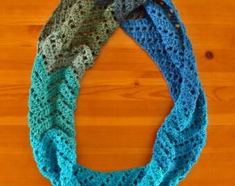 Cowl #03 (chevron infinity scarf)