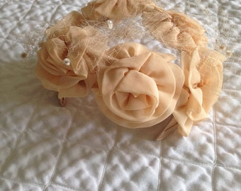 REDUCED 1950s 1960s Peach Floral Topper Hat