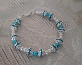 Chic turquoise bracelet