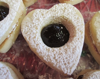 Linzer Cookies Filled With Blackberry or Strawberry Jam /2 Dozen