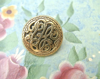 6 Vintage buttons, gold metal with etched ornament buttons, 22mm
