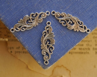 10pcs Antique Silver Detailed Floral Scroll Filigree Connectors 30mm (SC3311)