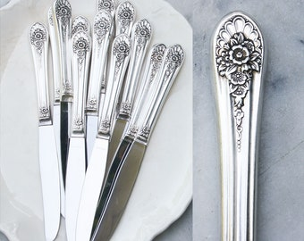 12 Vintage Silver Plate Dinner Knives / Hollow Handle Knife / Fancy Floral Pattern / Summer Entertaining