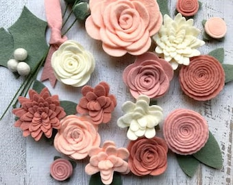 Wool Felt Flowers - Blush Pink - DIY Christmas Flower Embellishment - 18 Flowers & 24 leaves - Wreaths, Garlands - Metallic Gold add-on
