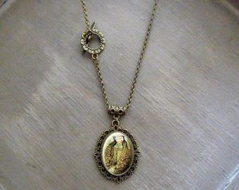 Collier Sautoir cabochon • Paons amoureux • collier Rétro vintage collier pendentif cabochon Sautoir vintage rétro vintage romantique