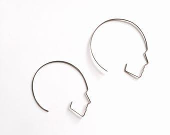 Round Side face hoop earrings