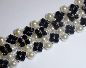 Cuff black and white pearls and Swarovski Crystal beads