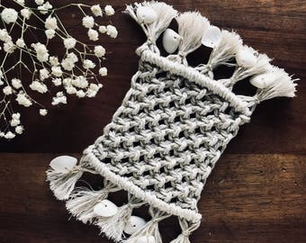Doily, placemat, coaster / Cup / mug in macrame and shells