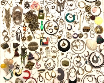 Vintage to Now Junk Jewelry Craft Jewelry Single Earring Jewelry Lot