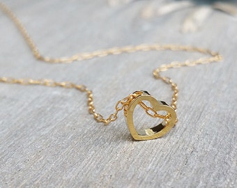 Gold love necklace, Heart necklace, Heart pendant necklace, Heart charm, Heart outline necklace, Heart Jewelry, Gift necklace, Mom necklace