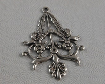 LuxeOrnaments Antique Silver Filigree Ornate Floral Pendant (Qty 1) 36x25mm G-02410-S