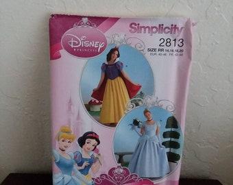 Disney Princess Snow White and Cinderella Simplicity 2813