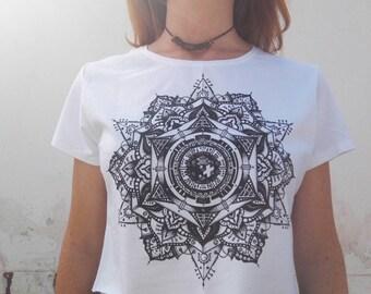 White short sleeve screenprinted mandala crop top shirt