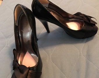 CLEARANCE !! Paris Hilton Black Pumps Size 5.5