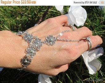 Bridal hand chain wedding slave bracelet, bracelet ring, hippie bracelet, hippie jewelry, fitted, adjustable, chain finger bracelet