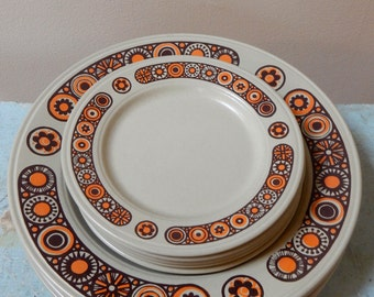 70s Kiln Craft Midas 5 BB Plates Staffordshire Potteries Ltd Ironstone England Mid Mod Brown Neon Orange Tan Flowers Perfect Condition & 70s Kiln Craft Midas 6 Dinner Plates Staffordshire Potteries