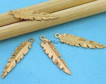 "Prints ""Feather"" set of 4 designer pendant - gold - size: 6x24mm # 780"