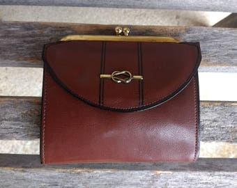 """Vintage Buxton Brown Women's Wallet Cowhide Leather Wallet Kiss Lock Closure Change Coin Money Purse with Gold Accents Size 4 1/2"""" x 4"""""""