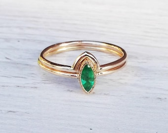 Emerald Engagement Ring, Emerald Wedding Ring Set, 14k gold ring with Green Emerald, Marquise shaped ring, Anniversary gift