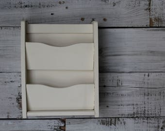 White Mail Organizer / Painted Mail Organizer / Wooden Mail Organizer / Wall Mail Organizer / Farmhouse Kitchen Mail Storage & Key Rack