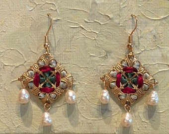 Handmade Diamond-shaped Ribbon and Filigree Earrings with Glass Pearls