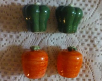 "Salt & Pepper Shakers! A ""Carrot Pair"" and ""Green Pepper Pair"""