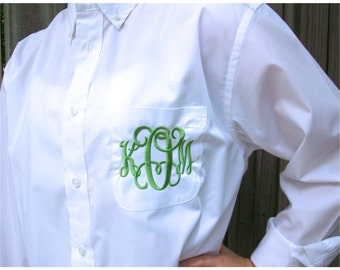 SET OF 8 Monogrammed Button Down shirts, Bride or Bridesmaid, Wedding day party shirts, 28 different colors